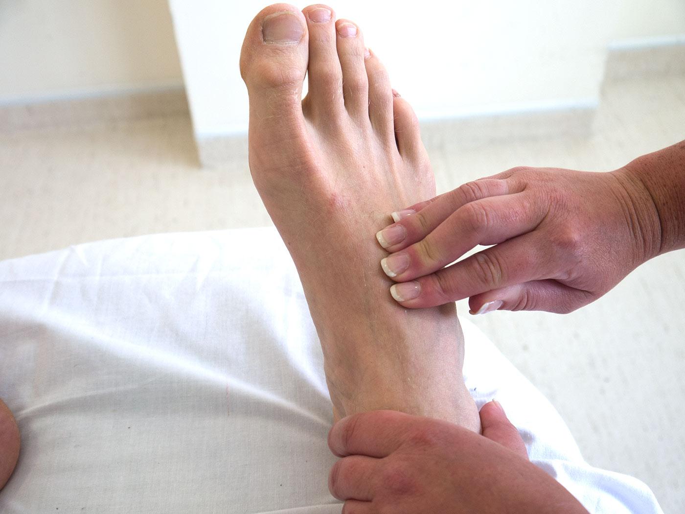 Dorsalis Pedis Artery - Stepwards